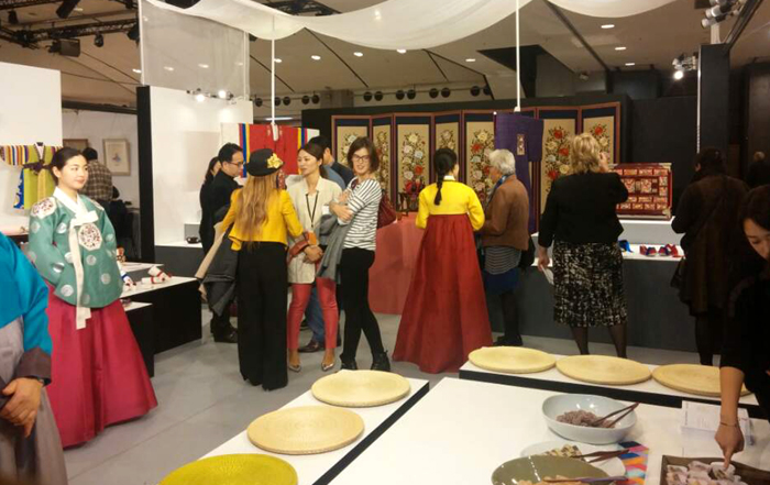 International_Cultura_Heritage_Fair_Paris_04